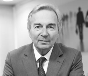 Kontakt zu Rechtsanwalt Jan H. Kern - Jan_H_Kern_EIB8338-quadr